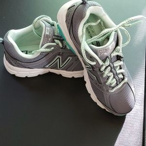NEW!!! NEW BALANCE MEMORY SOLE SNEAKERS SZ 5.5